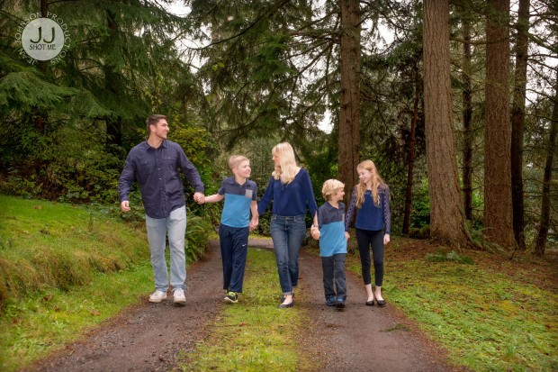 jjshotme-familywalking